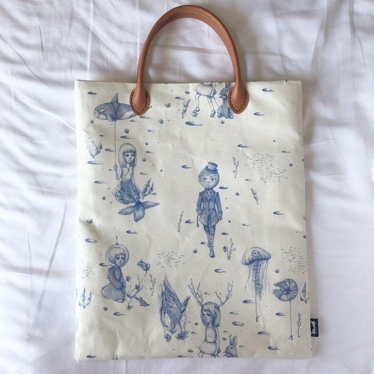 Side Lunarscape tote bag handma - christinerbay | ello