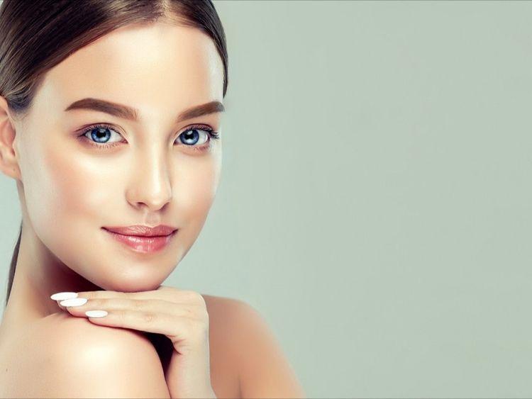 applying foundation, Skin Scien - travisculbreath | ello