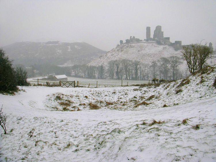 Corfe Castle, ~ info - Dorset, snow - indorset | ello