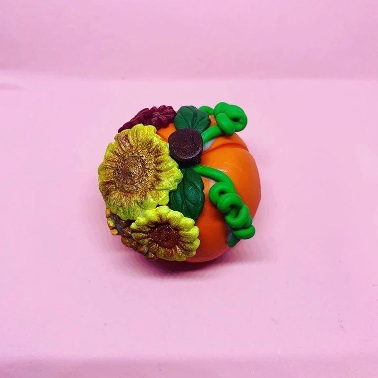 Clay pumpkin fall flowers - eesascreations | ello
