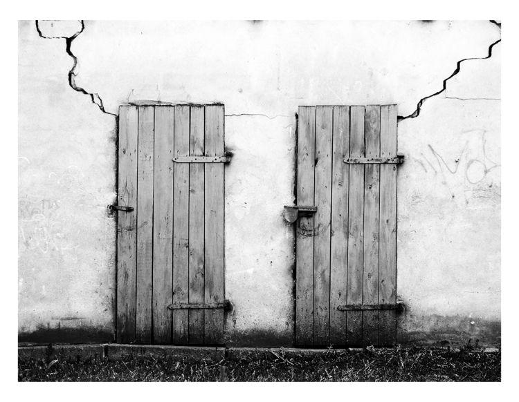 Neighbours - bw, bnw, blackandwhitephotography - brthelemy | ello