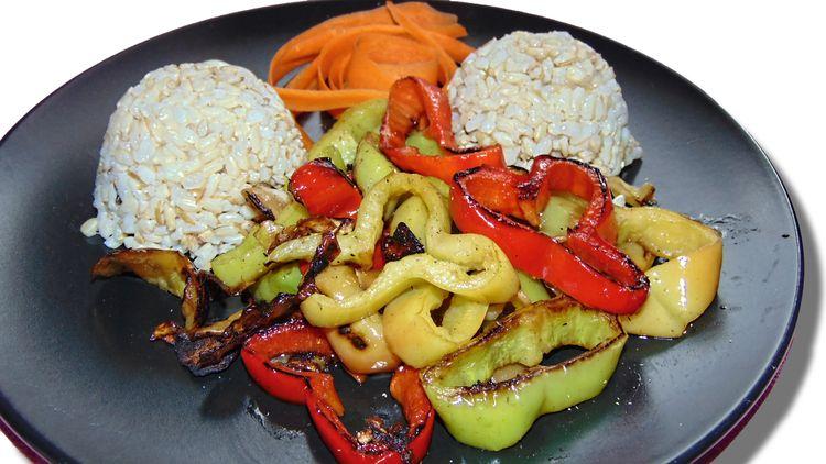 Stir-Fried Vegetables Rice - vegan - draganadz | ello