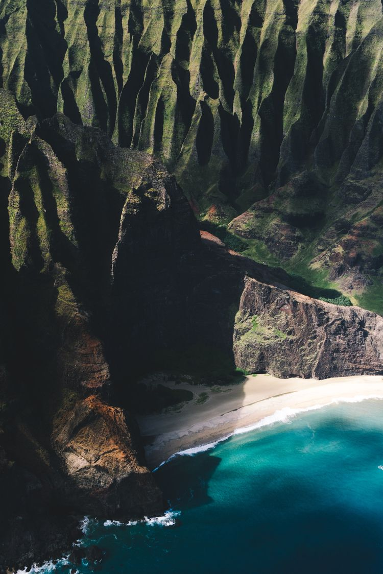 figure beach Kauai (2019 - mikescaturo | ello