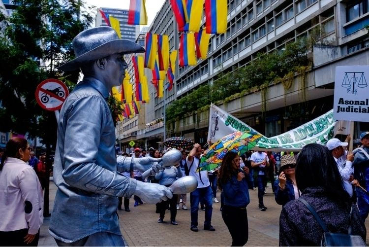 Protesters Bogotá, Colombia Sep - streetsnoir | ello