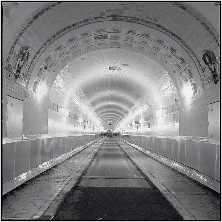 Timetunel – Elbtunel, Hamburg S - schwedenwuerfel   ello