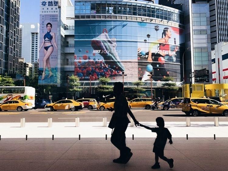 - Fashion pose  - street微妙, 街頭攝影 - wonderfulday_amber | ello