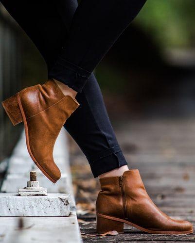 Women boots vogue time. flaunt  - vanshikadhingra   ello