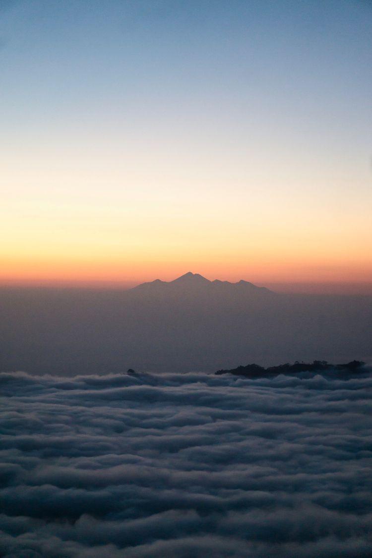 Reminiscing time Mt Batur sunri - kamaya_a   ello