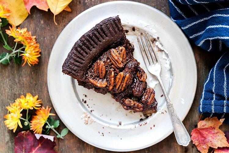 Pecan Pie chocolate lovers Reci - floatingkitchen | ello