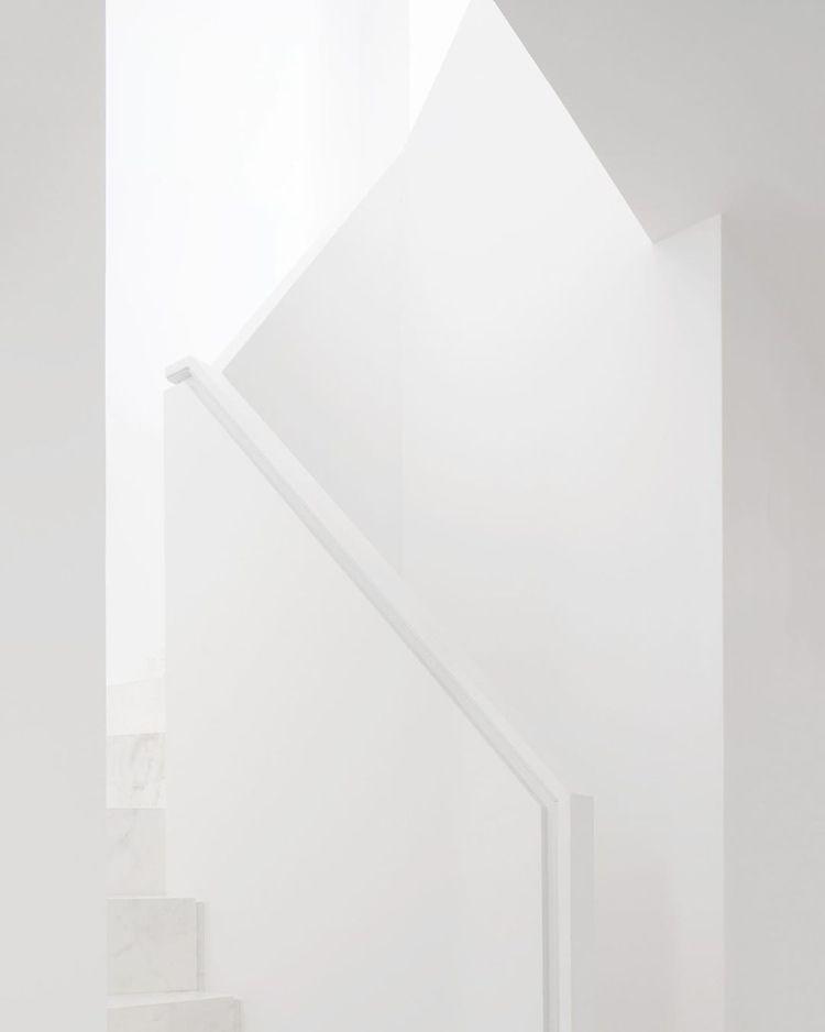 Impossible share white architec - gustavopereira | ello