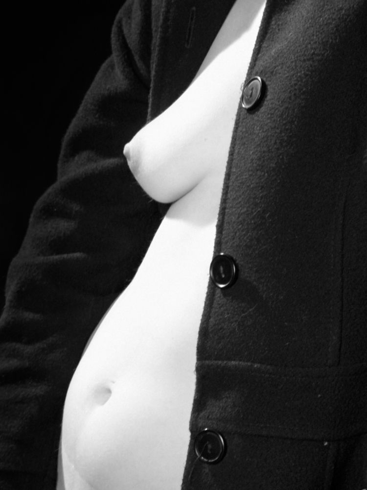 Buttons - nude, photography, nudephotography - leacmi | ello