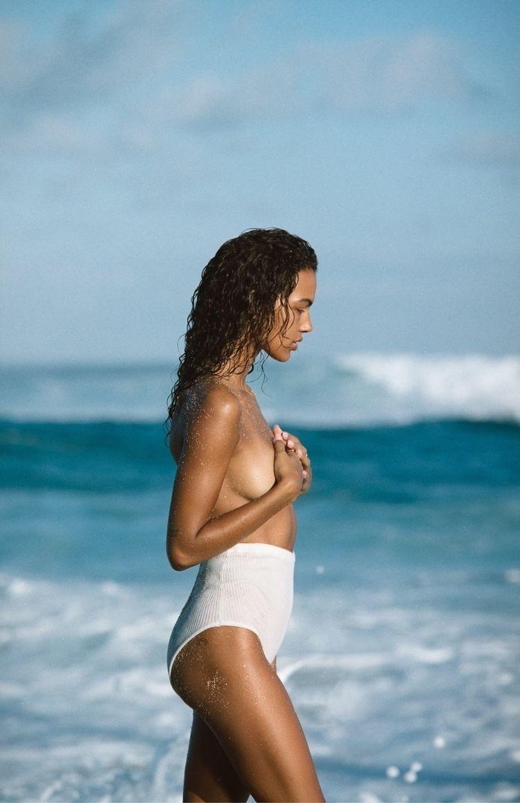 Jess Hawaii film - ellophotography - ming_nomchong | ello