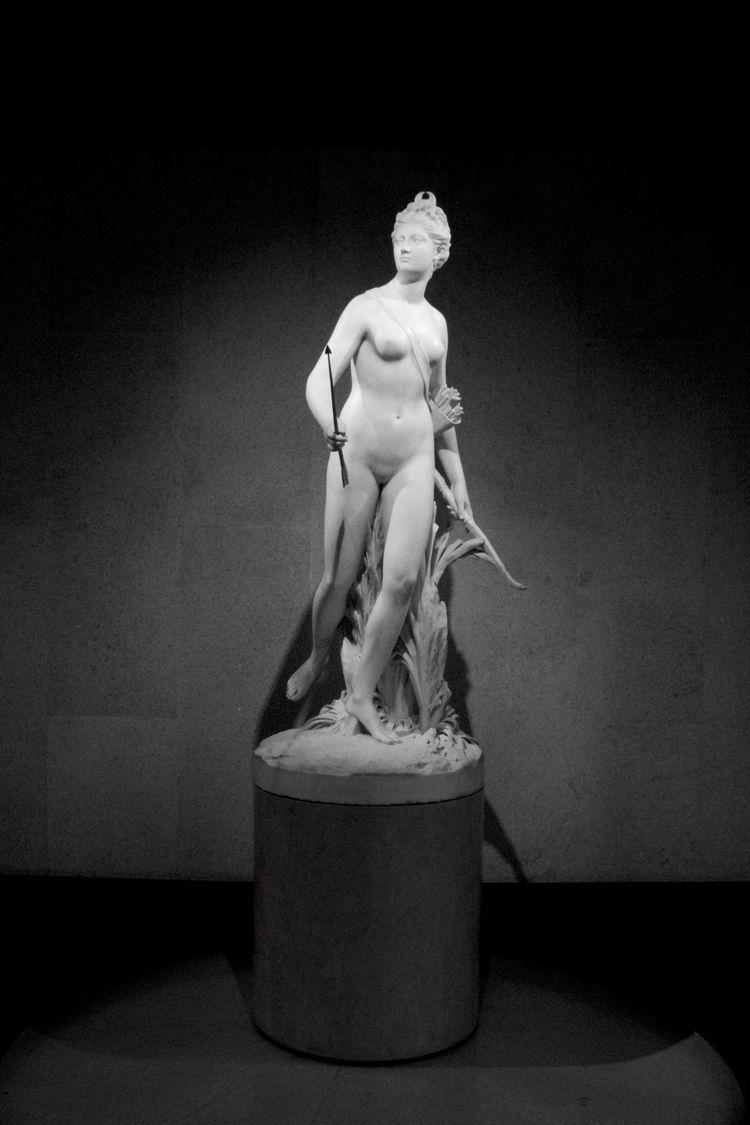 woman - renaissance - halmrein | ello