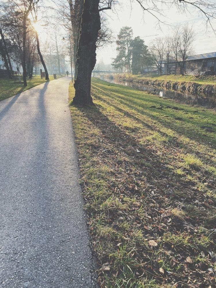 quiet village live - yentlspiteri | ello