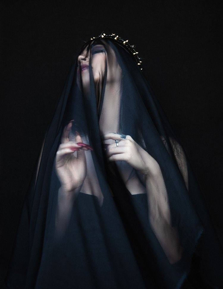 Photographer: Aliona Kuznetsova - darkbeautymag | ello