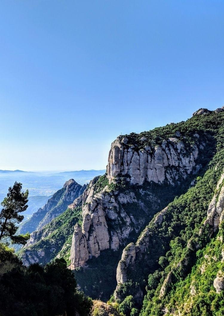 Monestir de Montserrat, Spain - montserrat - sucramlednarb   ello