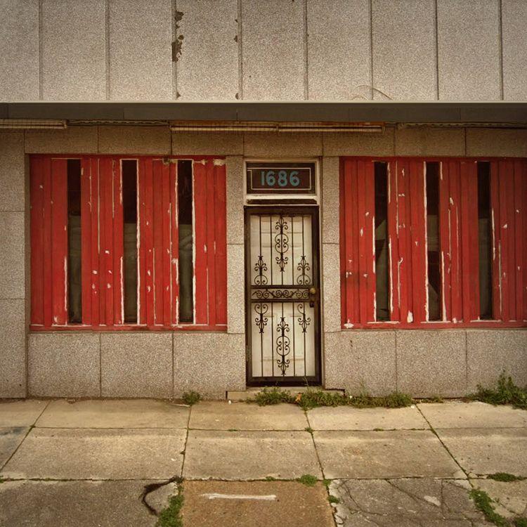 Walls / Lamar Avenue, Memphis,  - dispel | ello