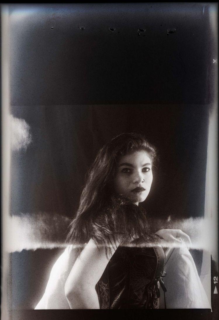 Mihaela - photography, elloportrait - studiophotophoremtl | ello