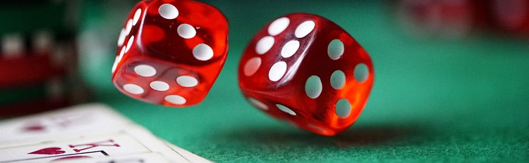 dice, getherightnumber, kingandqueen - vanessagrin | ello