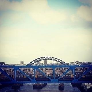 Metro/train bridge Tyne Newcast - streetcam   ello