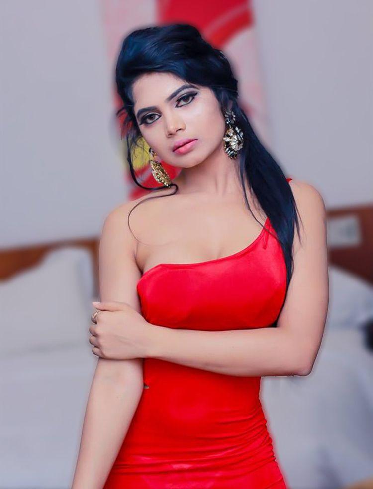 Celebrity Escorts Mumbai girls - lovelyarpita   ello