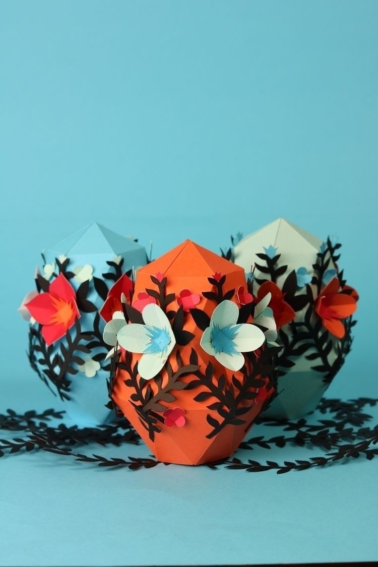 Easter Paper eggs. flowers - libedlulo | ello