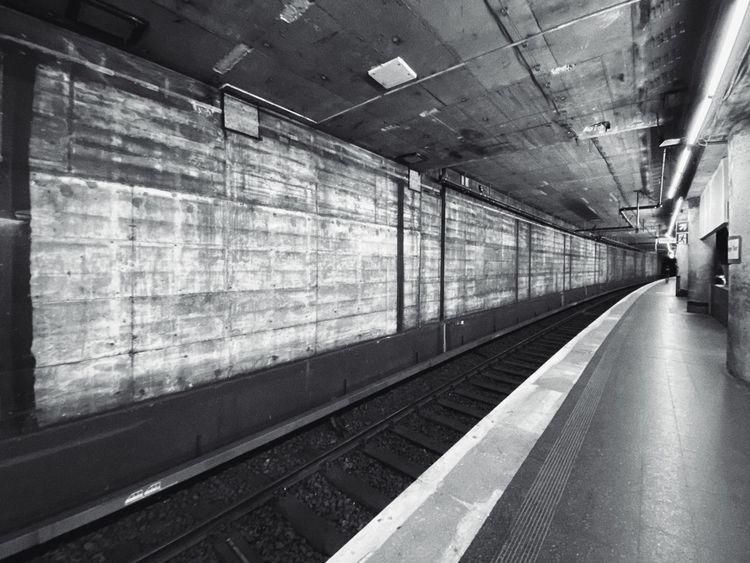 Subway Station times corona cov - christofkessemeier   ello
