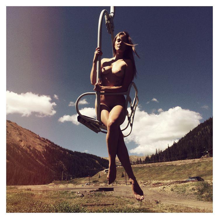 II. Snapshots - Melody chairlif - la_peau_des_autres | ello