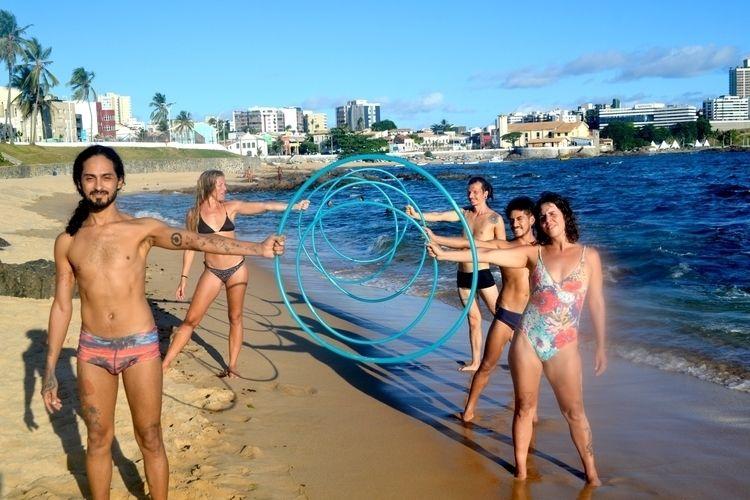 Circo na Praia: Salvador (BA - circo - thiagodias_ | ello