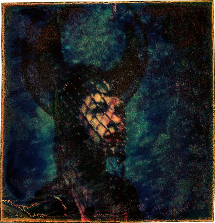 Model: 09/19 Astounding Headdre - jameswigger | ello