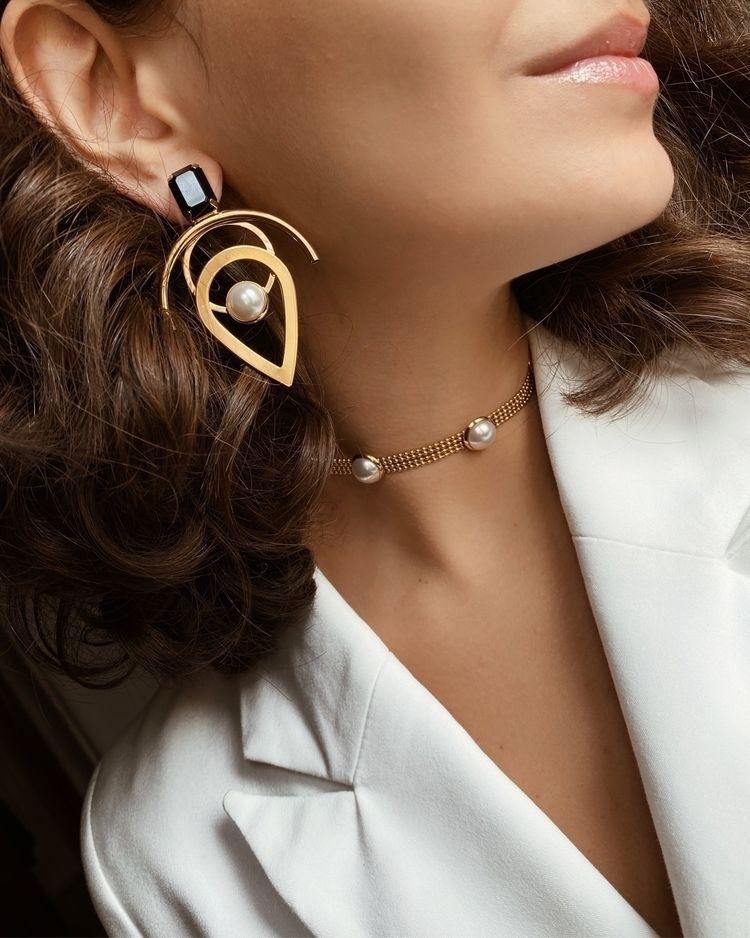 Modern jewellery - monad_design   ello