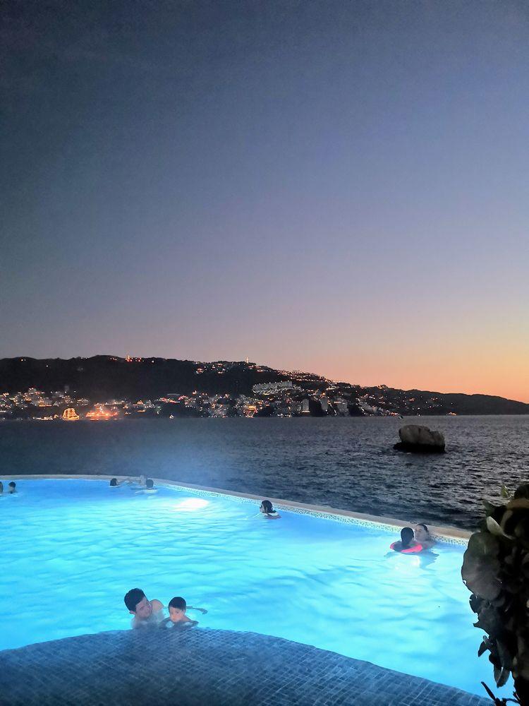 Foto de playa en la noche con c - mitote | ello