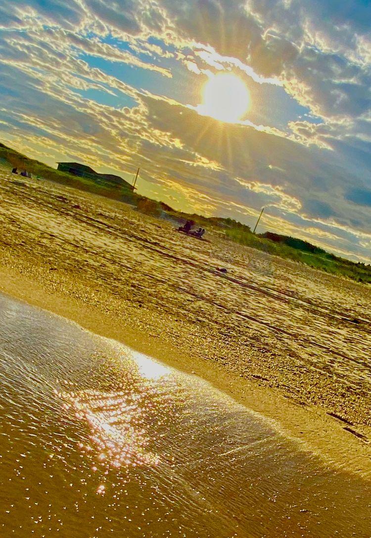 Sunny Day beach. sound water qu - starbgoddess | ello
