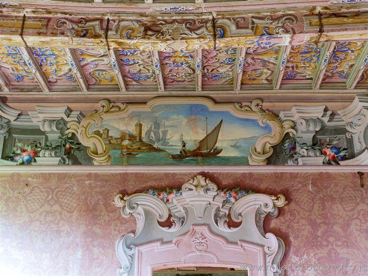 (#Milan Decorated wall ceiling  - milanofotografo | ello
