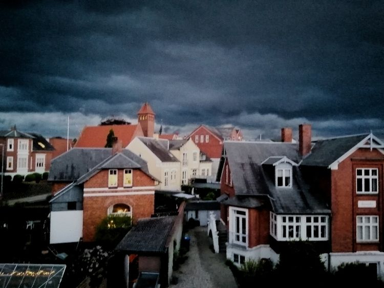 vejr - storm, denmark, fyn, rooftopview - diwata | ello