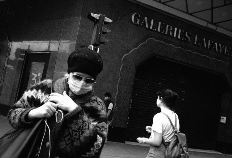 Paris covid19 - streetphotography - jeremy_tourvieille | ello