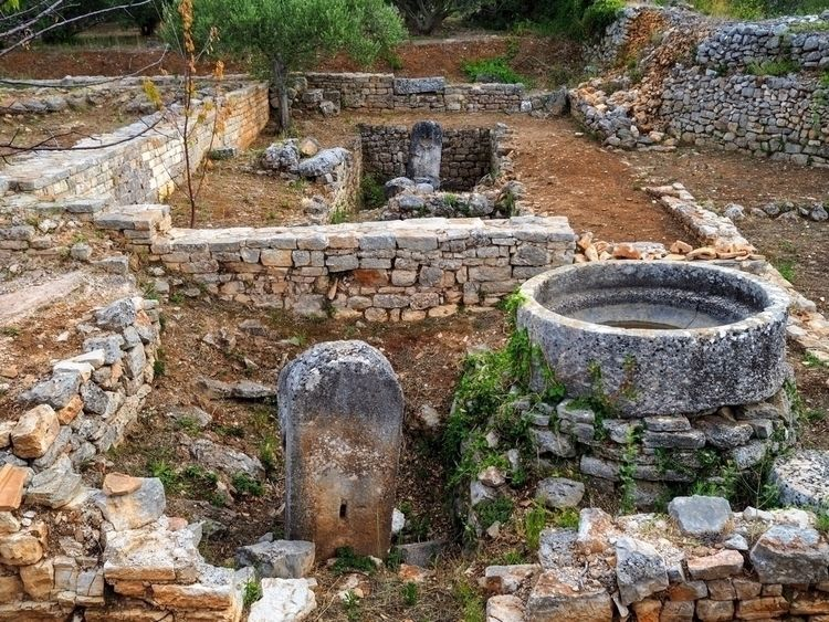 Roman Villa Remains villa Stari - skazman | ello