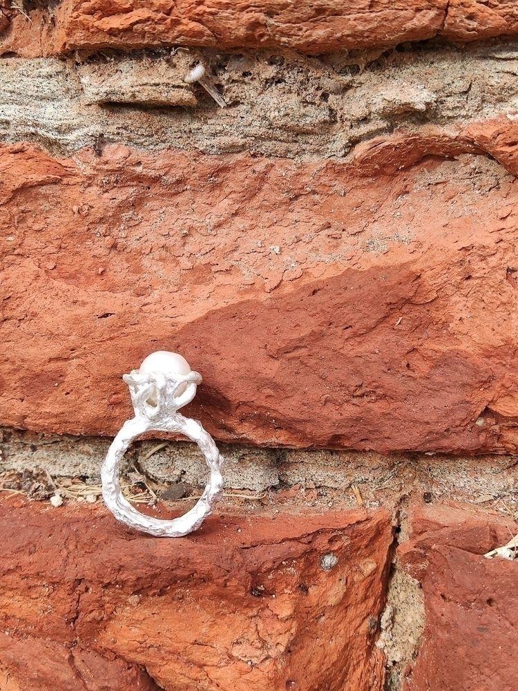 Ferrara city walls silver ring  - mariaelen | ello