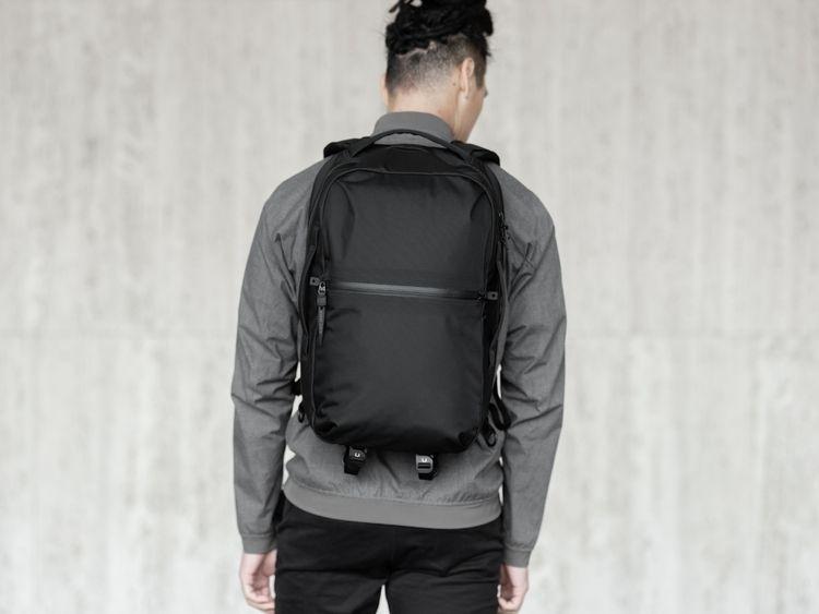 SHADOW | minimal waterproof pac - blackember | ello
