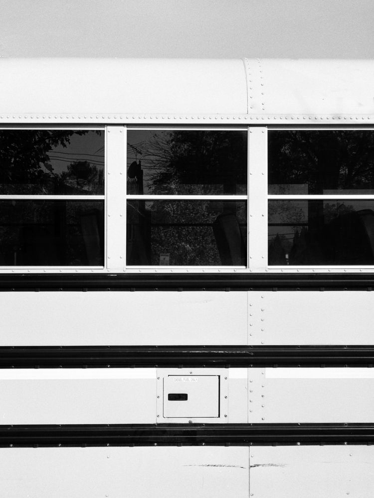 Shot school bus sunny day, HP5  - junwin | ello