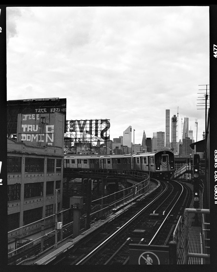 7 Train Instagram - // Website  - lorenzomitil   ello