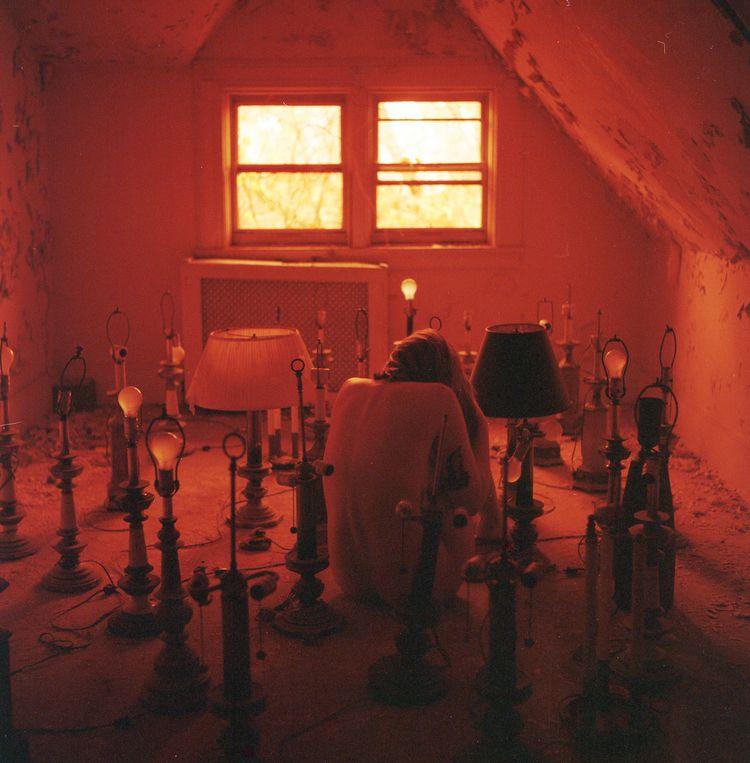 abandoned, lamp, redscale, mediumformat - colleensmorgan | ello
