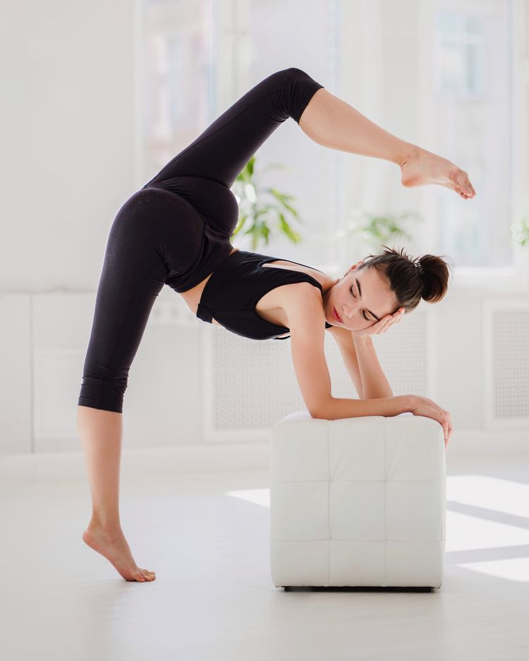 Located Dubai, TOPSTRETCHING co - topstretching | ello