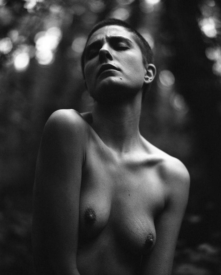 Selina Mayer - dmasdieciocho, artnude - dmasdieciocho   ello