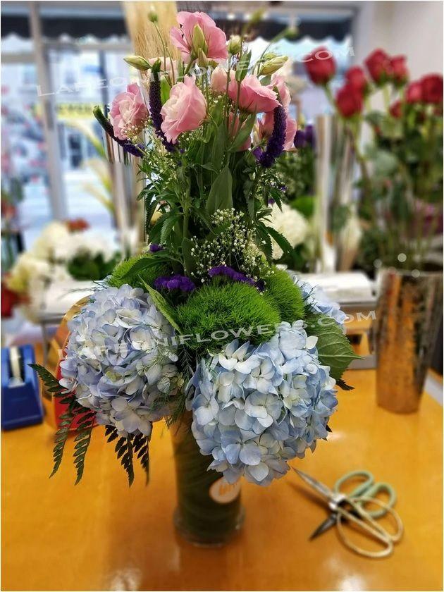 Send Carnation Love Flower arra - lapeoniflowers | ello