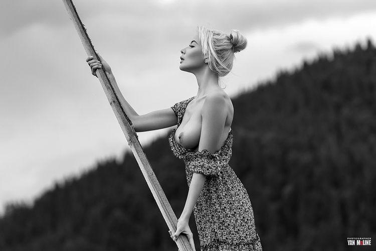 Nude photo tour Carpathians - yanmcline | ello