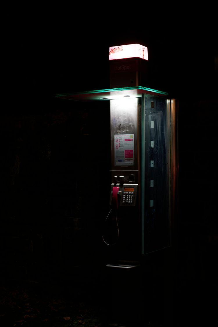 call - photography, street, night - marcushammerschmitt   ello