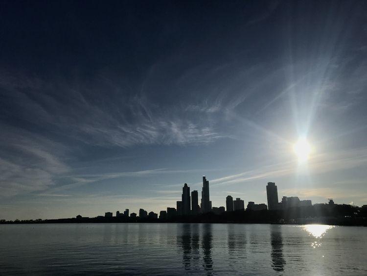 skyline, USA, lake, modern, city - stylianos_space | ello