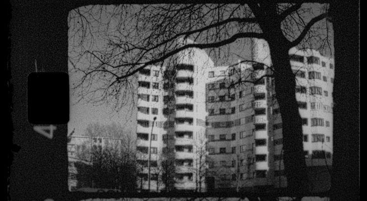 Kottbusser Tor, Berlin. Expired - stikka   ello