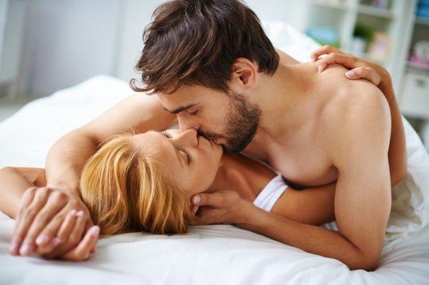 Happy Valentine Kiss - ValentinesDay - tastykitchen   ello